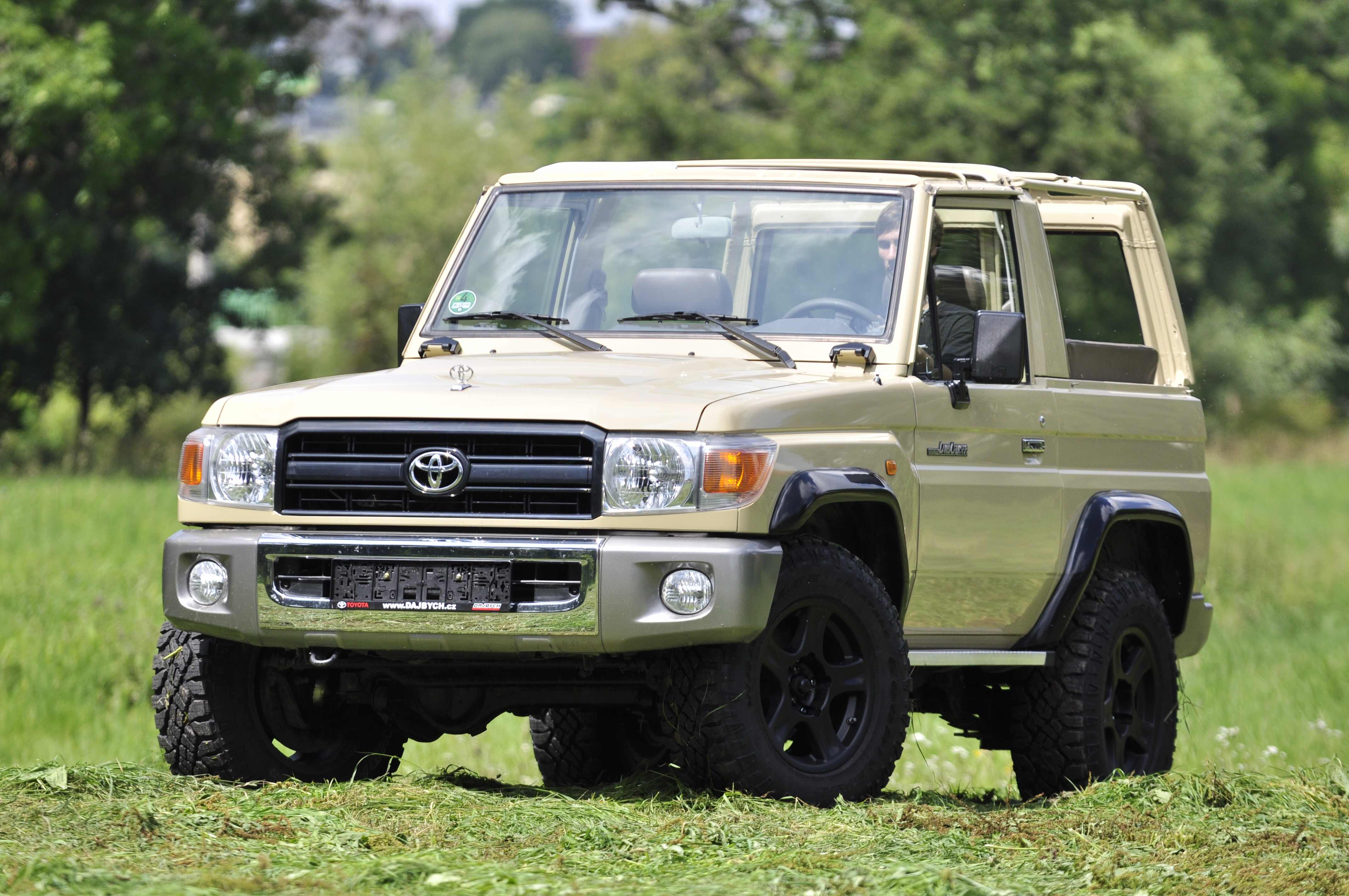 Toyota Land Cruiser GRJ71 - Formule off-road